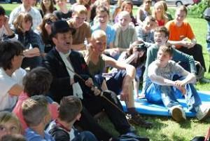 Charlie Chaplin i niepełnosprawne Dzieci
